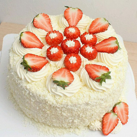 包头九原区网络订蛋糕:草莓幸福快乐